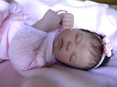 בובת תינוק אמתית