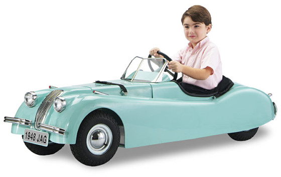 מכונית אמיתית לילדים - Classic 1932 Pedal Car